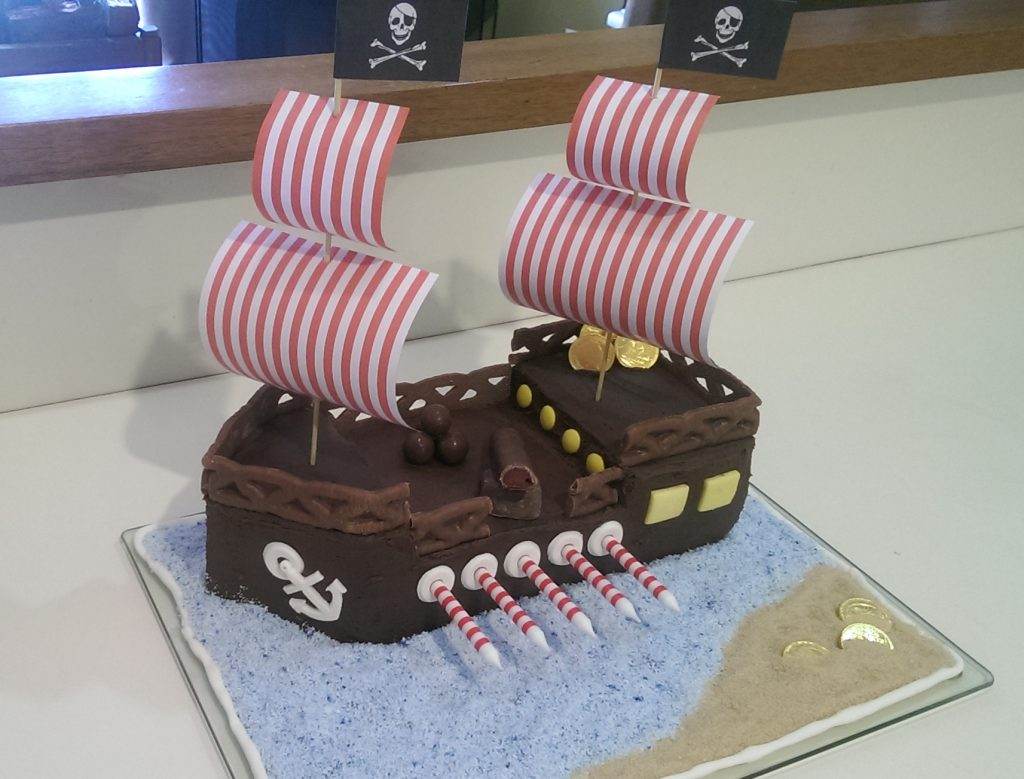 Thats It For The Pirate Cake Super Easy Very Effective And Made One 5 Year Old Boy Happy Click Here Some Themed Party Food Ideas