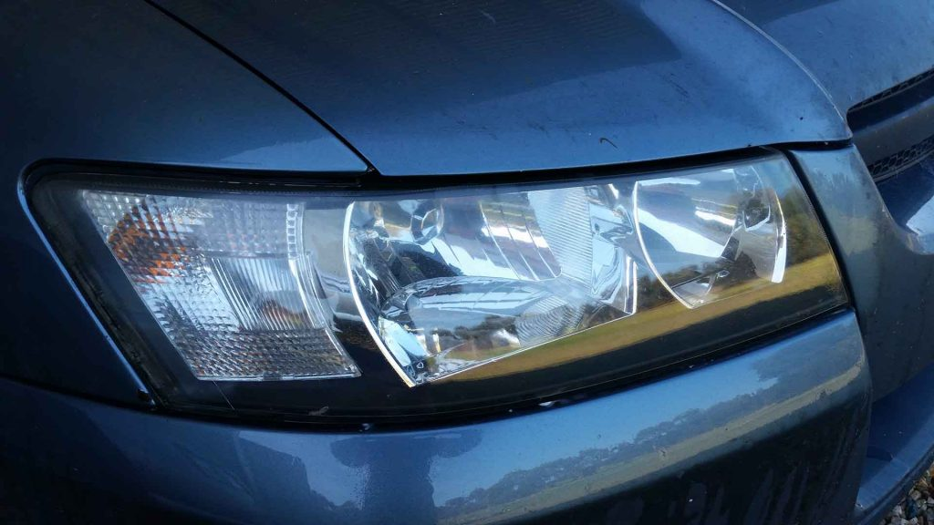 Learn the tip to changing your own car light-bulbs