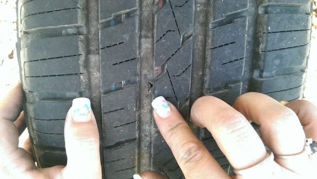 Tyre puncture - How to change your car tyre