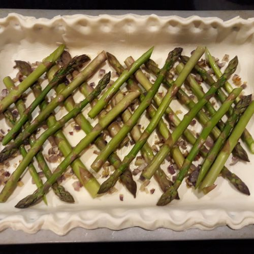 Quick and easy asparagus quiche recipe