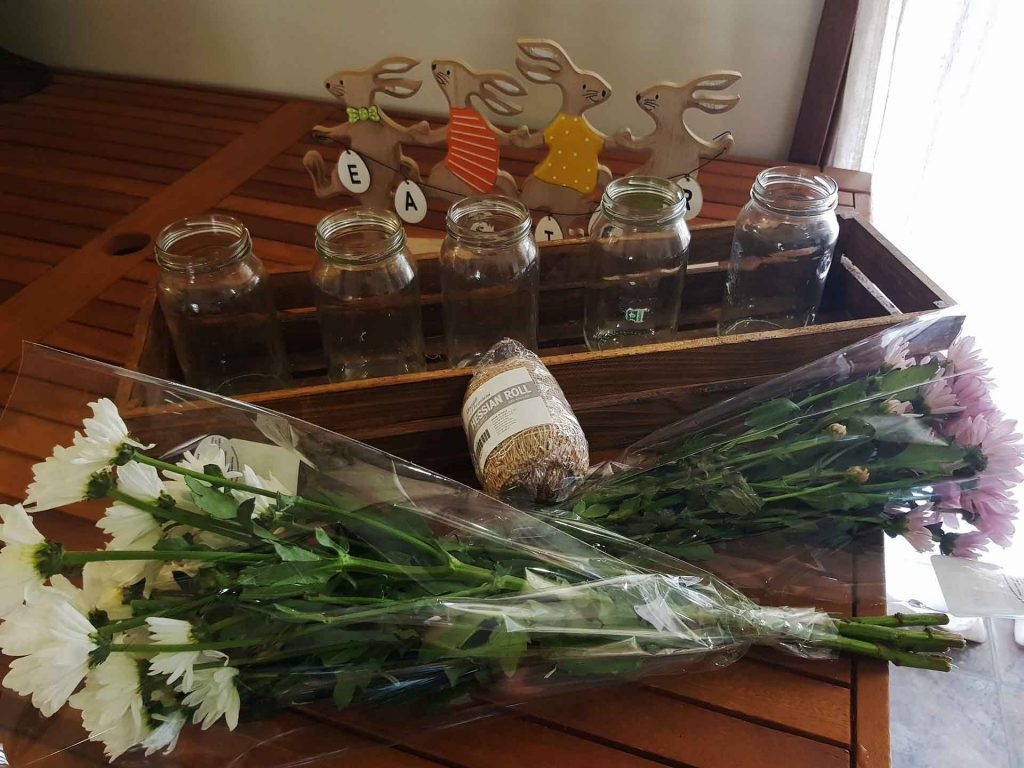 Table center piece ideas with crates
